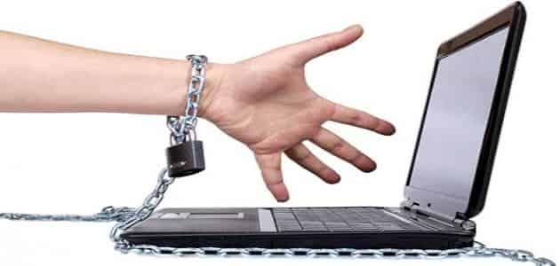 رسائل ماجستير عن ادمان الانترنت