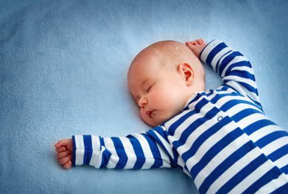 مشاكل الرضيع في الشهر الثالث